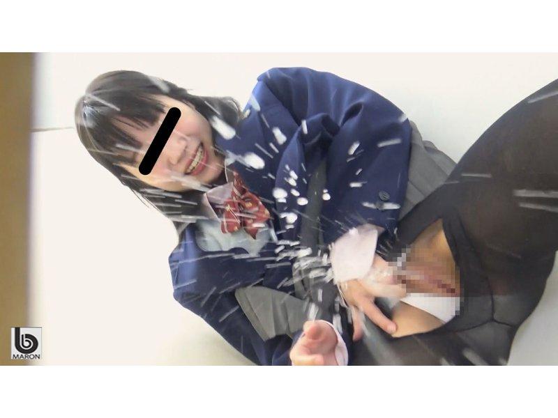 駆け込み学校トイレ 激ズボッ潮吹きオナニスト